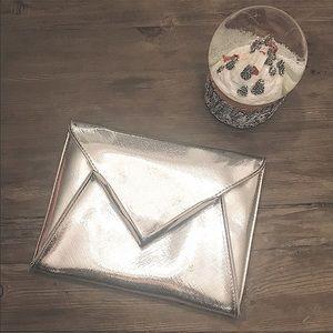 [NEW] La Prairie Envelope Clutch in Silver